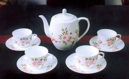 精瓷茶具--水点桃花